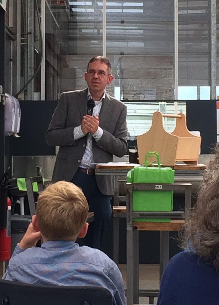 Peter van den Berg tijdens boekpresentatie Beter leven met een chronisch-progressieve ziekte